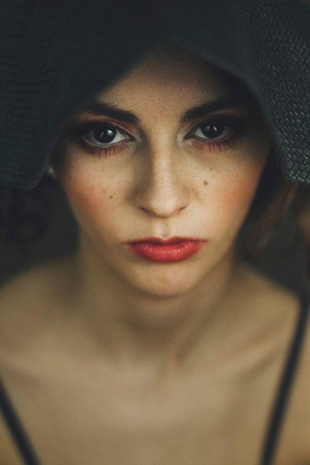 Cristina Venedict拍摄的画意优雅肖像  -11