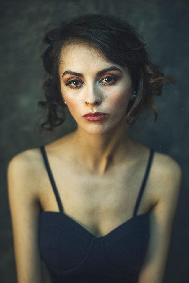 Cristina Venedict拍摄的画意优雅肖像  -9