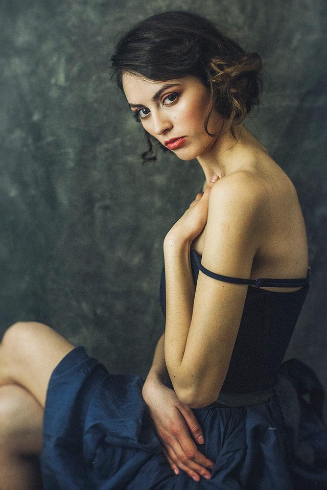 Cristina Venedict拍摄的画意优雅肖像  -7