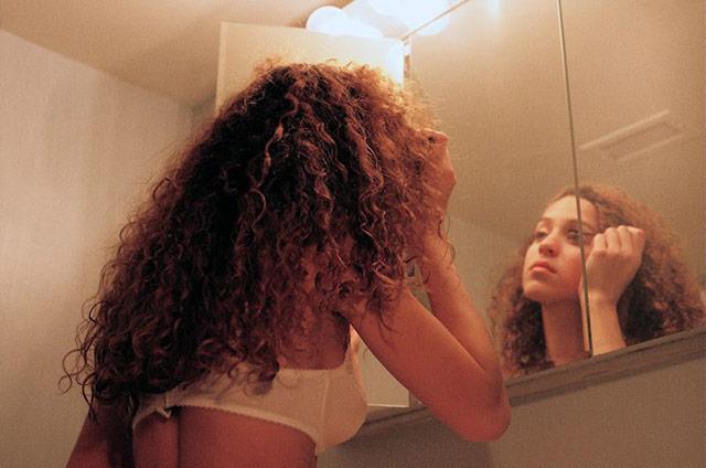 Petra Collins拍摄的情绪系写真